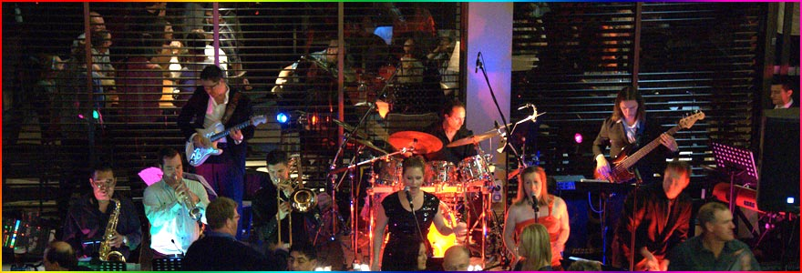 Professional-Dance-Band-Canberra-Bebegee